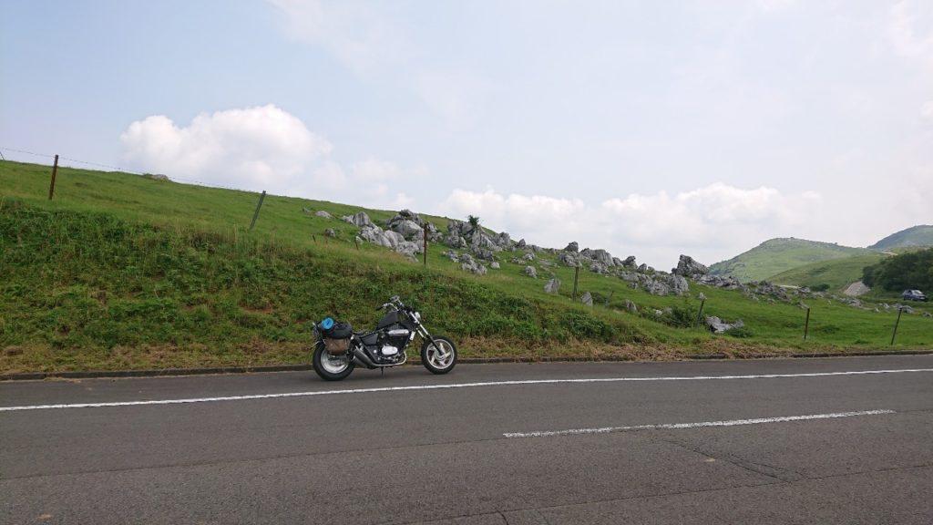 四国カルストとバイク2