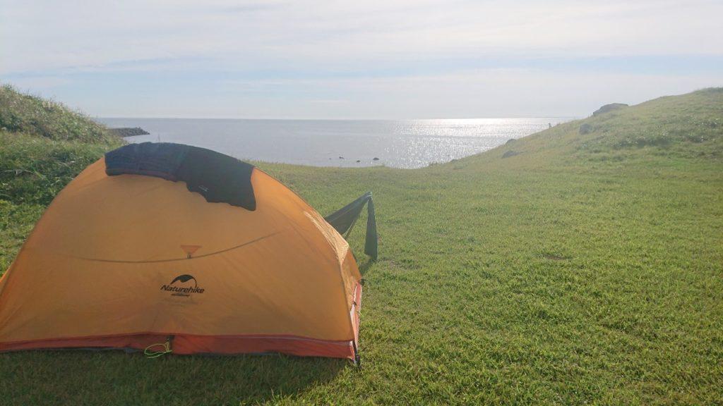 飛のくずれキャンプ場 海