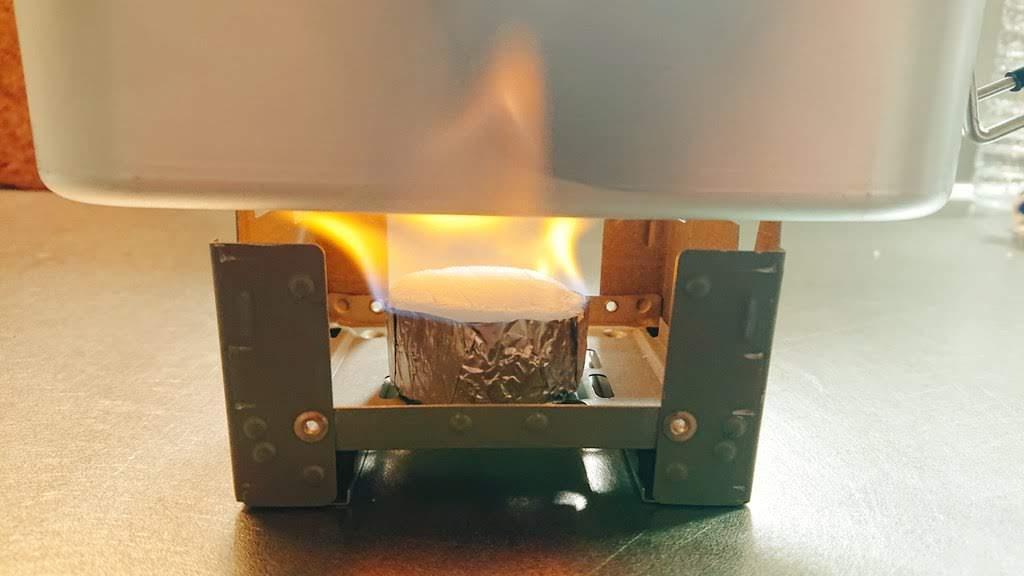 メスティン炊飯 固形燃料に火をつける